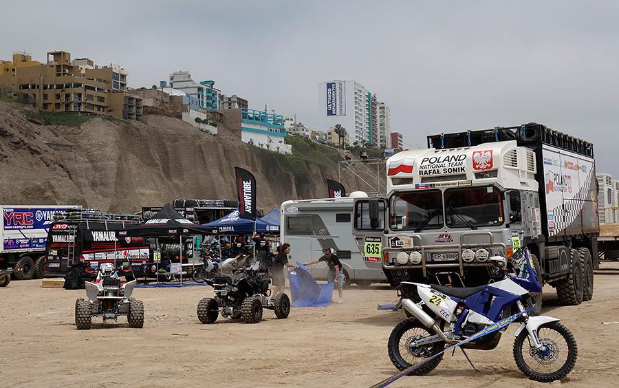 Polscy kierowcy gotowi do startu w Dakarze | Poland National